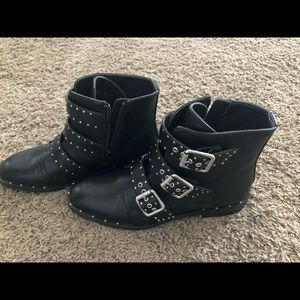 Women's Chinese laundry studded boot size 8
